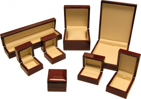 Wooden jewellery-box